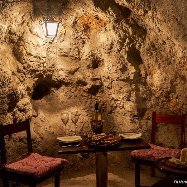 degustazione di vino a Portofino esclusività esperienza unica in grotta